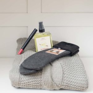 Cozy with a Pop of Colour Gift Set - La Creme Penticton