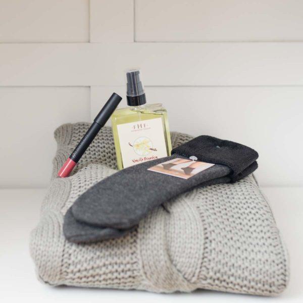Cozy with a Pop of Colour Gift Set - La Creme Penticton